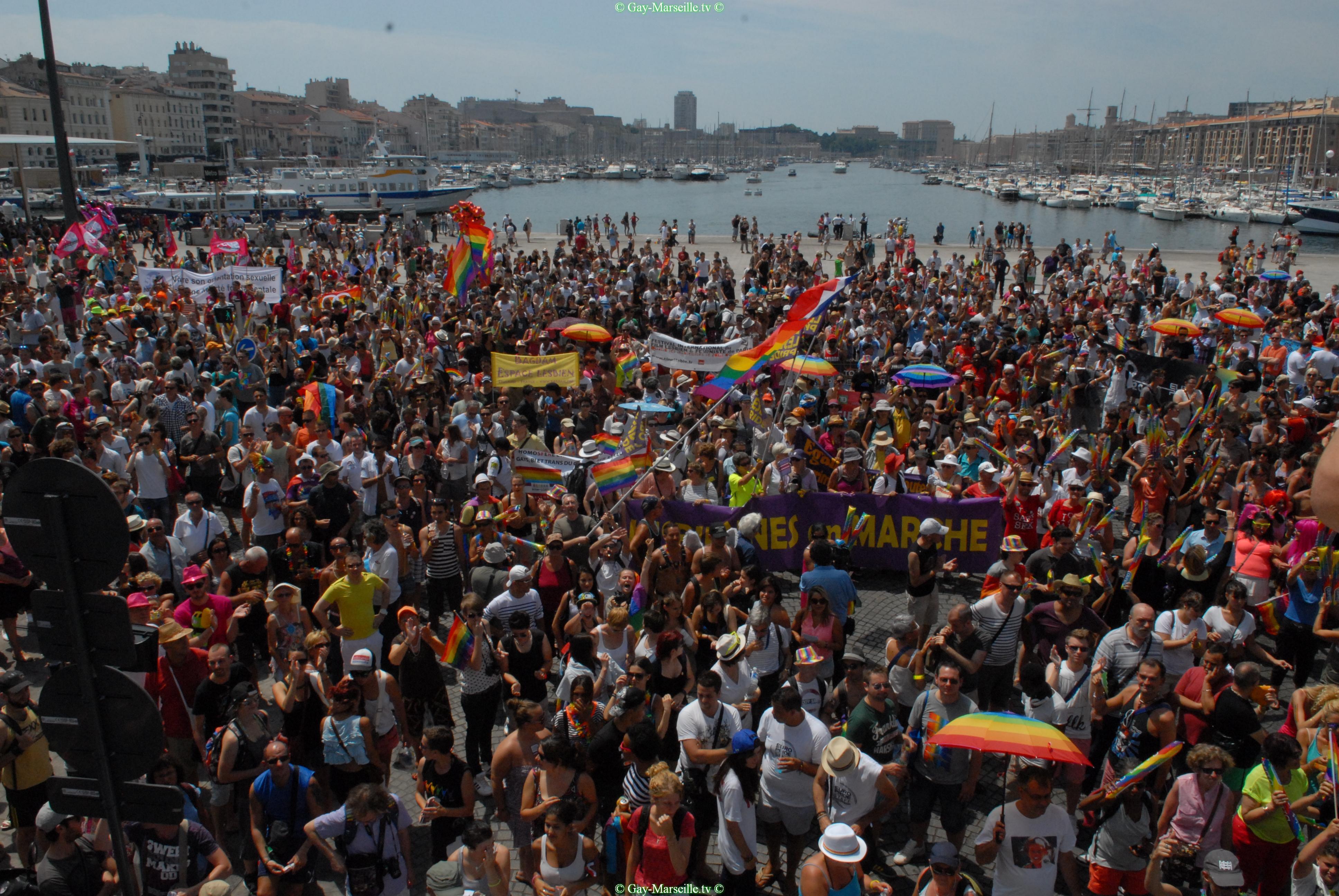 rencontre mur gay resort à Aix en Provence