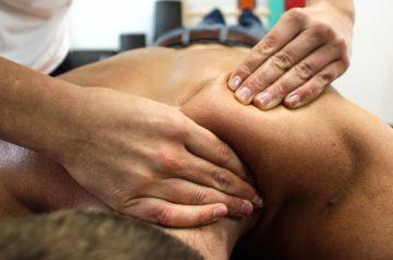 Le massage bien-être fait par un institut de bien-être et de massage pour Homme.